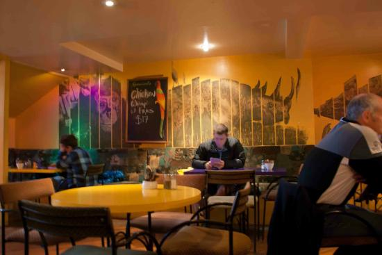 Zookeepers Cafe : A great atmosphere inside this cafe