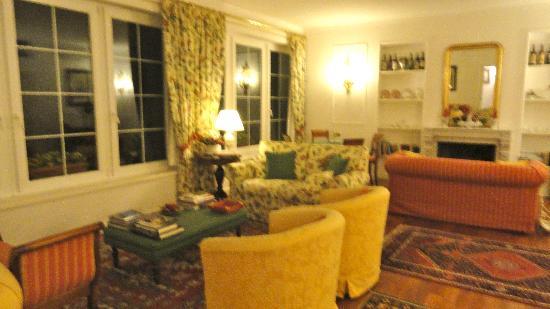 Marignolle Relais & Charme: Sala comune per lettura e Bar