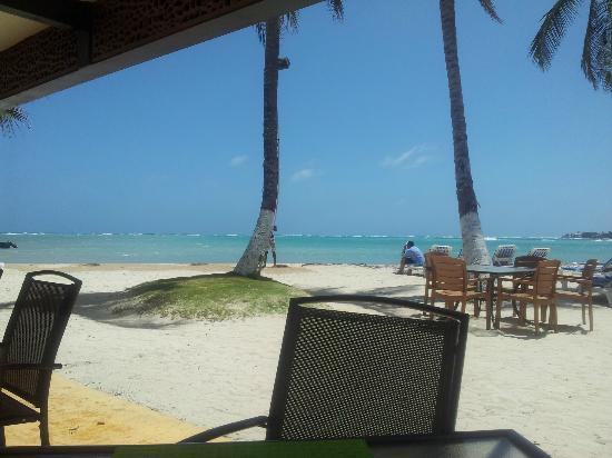 Cocoplum Beach Hotel: Vista desde el hotel