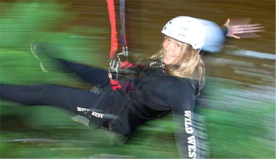 Dragon's Cave Rafting: Zipline Speed machine