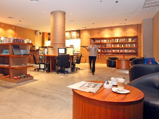 Ramada Khao Lak Resort: Mellow Bean - Internet Cafe. DVDs and Books are FREE for borrowing. Venue for Afternoon tea.