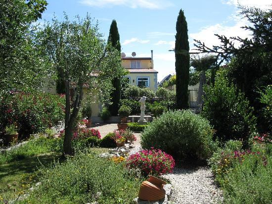 Beachside Villas Motel : Garden
