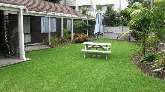 Orewa Motor Lodge: Enjoy the gardens