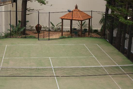 Zenith Apartments: Full Size Tennis Court & Gazebo Area