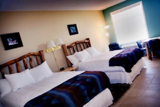 Joyful Journey Hot Springs Spa and Conference Center: HOTEL DOUBLE QUEEN BEDROOM