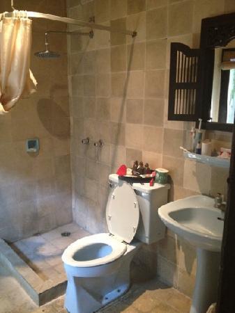 Benoa Beach Front Villas & Spa: bathroom