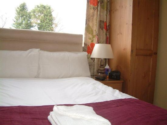 Millbeck Guest House: Standard single bedroom with 4 foot wide bed