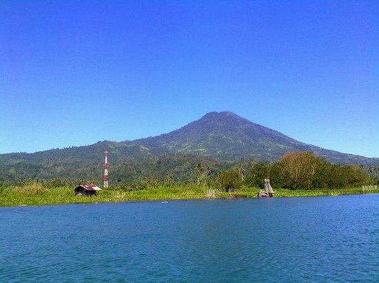 Sumatra, Indonesien: Landskap Danau Ranau