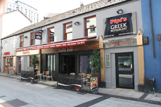 PiPi's Coffee Shop & Greek Restaurant: Pipis Outside Entrance