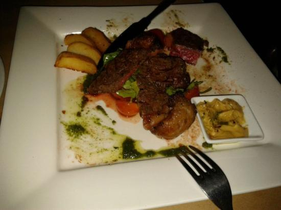 "Hotel Helang Langkawi: at pantai tengah ""L'osteria Langkawi,Italian Rest.& Bar"" delicious"