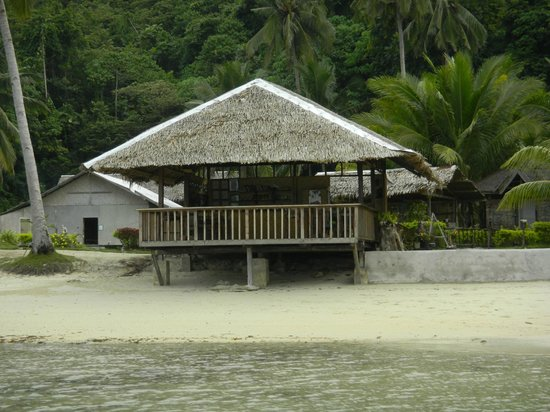 Blue Cove Island Resort : Bar/Restaurant where meals and drinks are served.