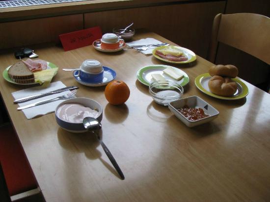Jutel Obertraun: Jutel Hostel Obertraun - breakfast