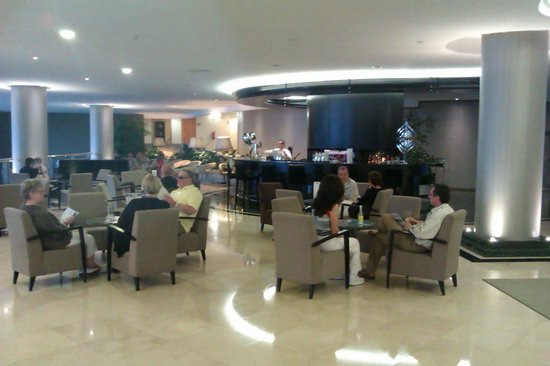 Enotel Lido Madeira : piano bar devant la reception