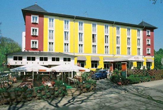 Grünau Hotel: Exterior View