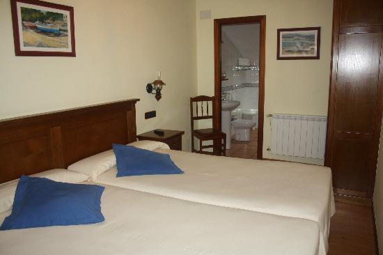Hotel Pazos Alba: la nostra camera in mansarda, molto spaziosa e pulita