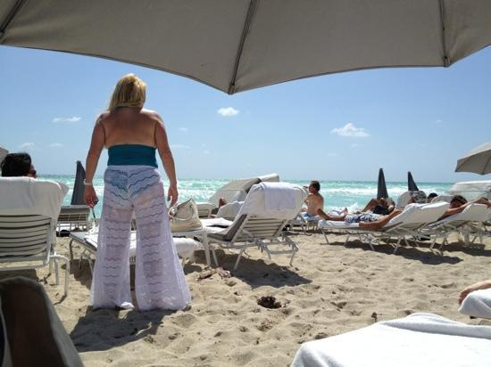 Fontainebleau Miami Beach: private beach