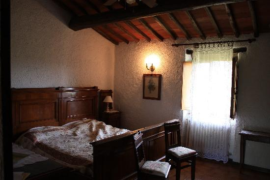 Hotel Colle Etrusco Salivolpi: Our room.