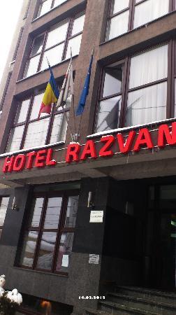 Hotel Razvan: Front View