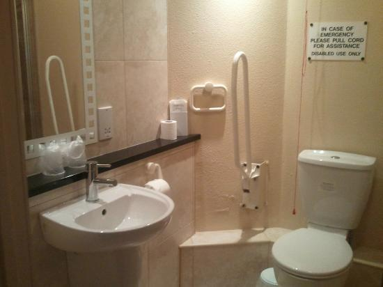 Stay Inn Manchester : Bathroom, with disabled facilities