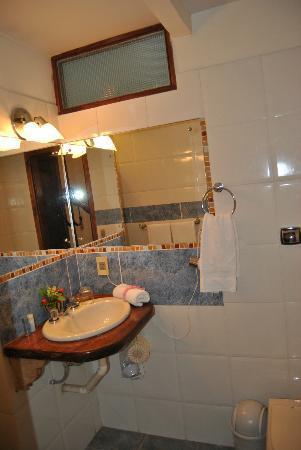 Casa Blanca Hotel: Banheiro