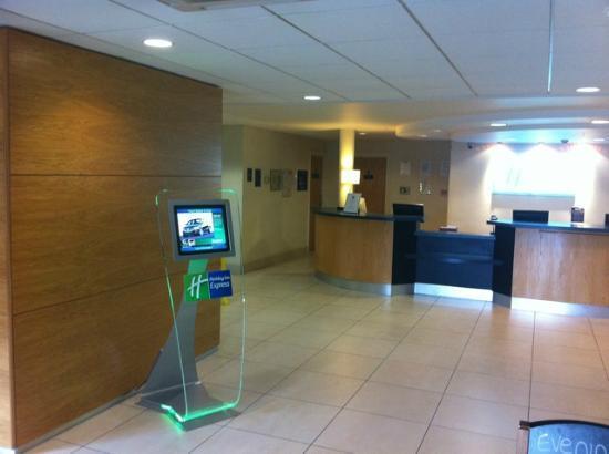 Holiday Inn Express Birmingham NEC: Reception