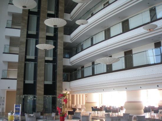 Side Prenses Resort Hotel & Spa: Ground Floor reception bar.
