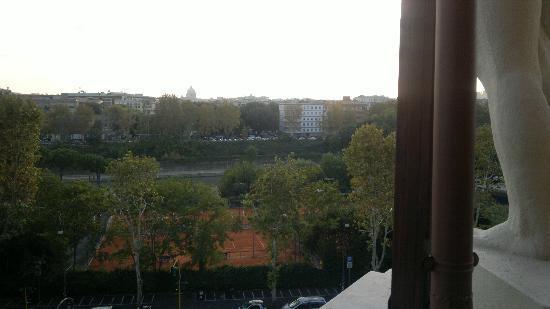 BEST WESTERN Hotel Astrid: vista dalla sala delle colazioni