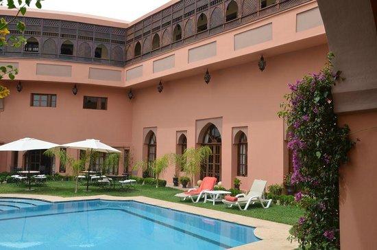 Albakech House: Jardin