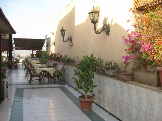 Philippe Hotel: Roof terrace