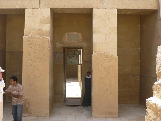 Mastaba of Ti : entrance-2