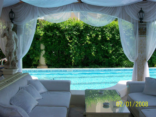 DIT Orpheus Boutique Hotel: Pool bar 4