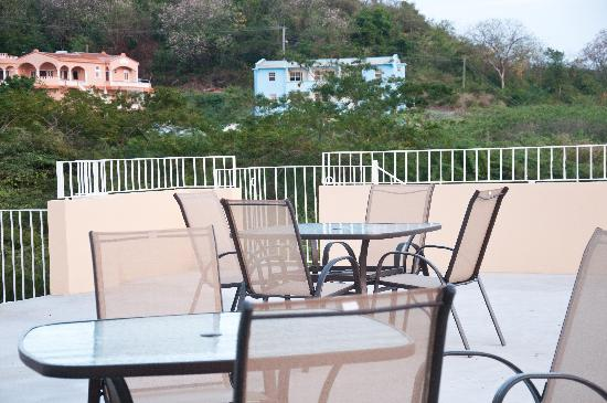 Grenada Gold Apartment Hotel : Spacious open Deck for relaxing