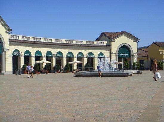 Serravalle Scrivia, Italia: центральная площадь