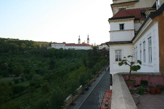 Apartment Uvoz: terrace view to the Monastery and the park