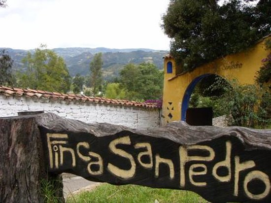 ‪‪Finca San Pedro‬: Logo nd sign at the entrance of the farm/hostel.‬