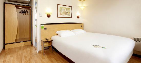 Campanile Pau : Chambre double grand lit