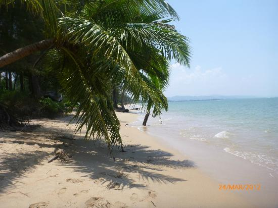 Koh Kho Khao Resort: Beautiful quiet beach