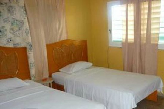 Eduardo's House: Room with 2 single beds, we also had a bunk bed in here