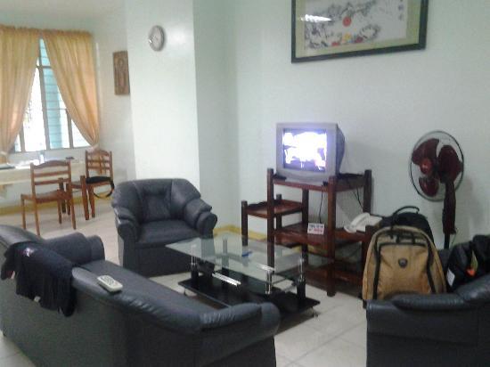 Villa Lolita Apartelle: Living room