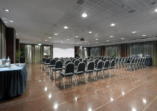 NH Roma Leonardo da Vinci : Meeting facilities