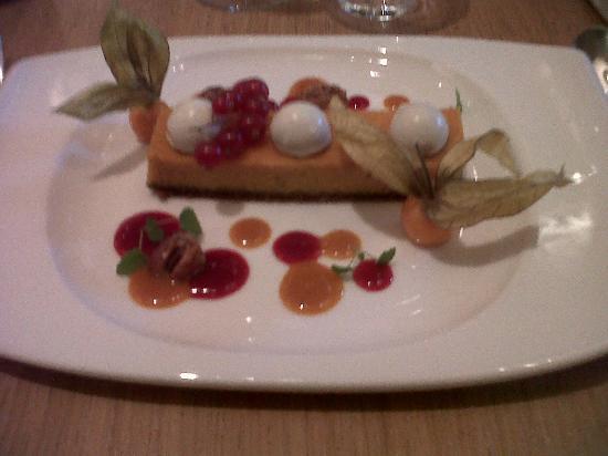 Rouge Tomate: Gâteau au fromage frais et potiron, spéculoos, buternut et airelles