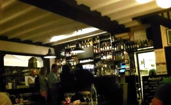 Le Madrid : The bar area