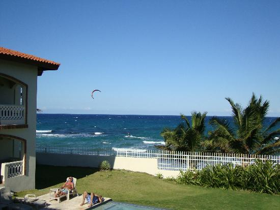 Barefoot Beach Pad: Kite in the air