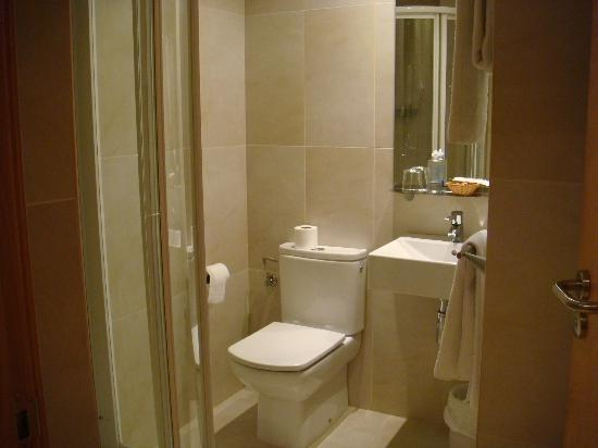 Hotel Arrizul Center: Salle de bain