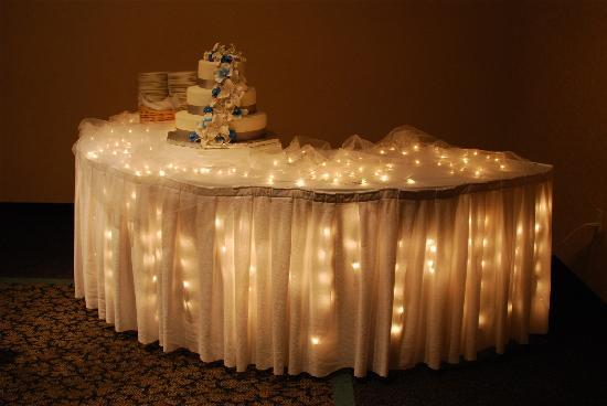 wedding cake table with lights meeting space wedding receptions picture of hampton 26202