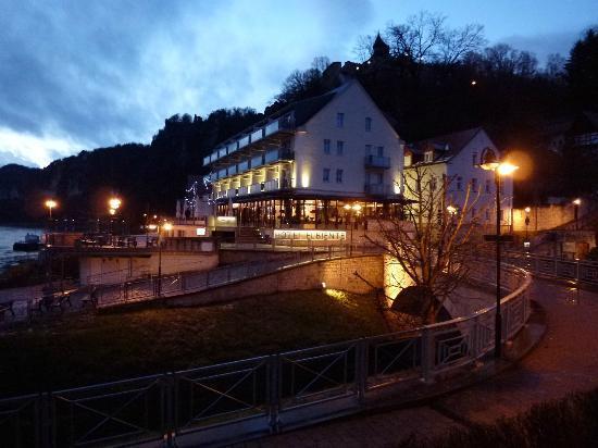 Hotel Elbiente: Hotel im Abendglanz