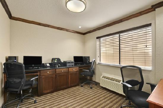 Ramada Houston Intercontinental Airport South: 24hr Business Center