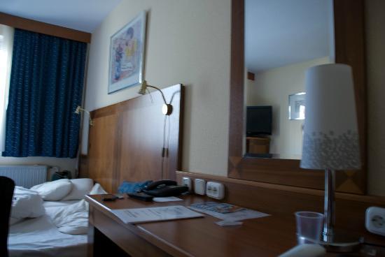 Carlton Hotel Budapest: Camera