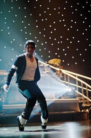 Rock-A-Hula: Damian Brantley as Michael Jackson