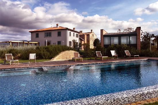 Roccafiore Spa & Resort: Roccafiore Resort is situated a few minutes away from Todi